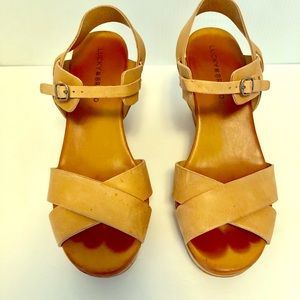 Lucky Brand Modille 4 Inch Wedges Size 8.